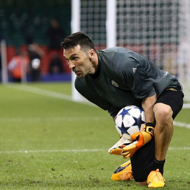 Buffon prepares as Juve finish their training session last night. Forza Juve. Always a Bianconero
