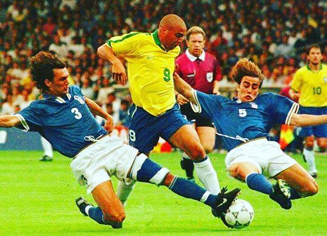 Our pic of the Day. Maldini,Ronaldo and Cannavaro