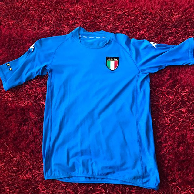 Retro kit of the week has to be my Kappa Italia 2002 World Cup kit. The Body fit. For me the best kit ever, obviously. Cant fit into it now
