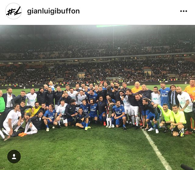 Legends on the pitch at the San Siro last night for Pirlos testimonial. And a young Porto coming off to Replace his Dad @andreapirlo21