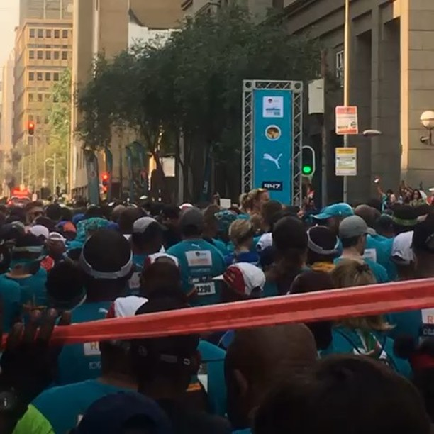 FNB JHB 10km City Run by @eyahmed. Send your pics and videos for our web Gallery. Tag or email info@swoosh0018.com. How was it @fnbsa #run #jhb #cityofjhb