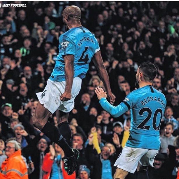 What a Strike by Vincent Kompany. City go top again. It's down to the last weekend  of the season#mancityvsleicester #kompany #mancity #epl