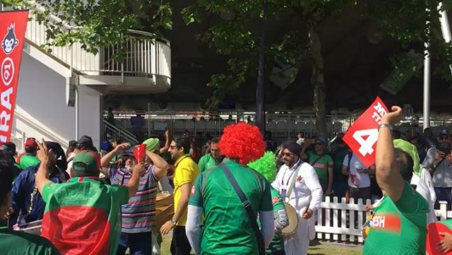Fans during the Pakistan ?? and Bangladesh ?? ICC Cricket World Cup 2019 Game #0018UKlads #fans #cricketfans #icccricketworldcup2019 #cricketworldcup #pakistanvsbangladesh ngladesh #pakistan #bangladesh #pakistanfans #bangladeshfans #cricket #lords